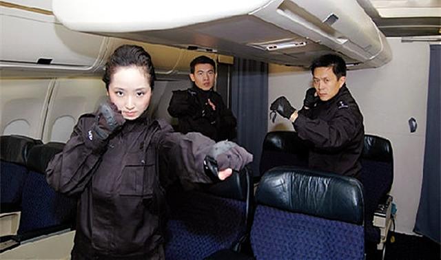 技术员的工作内容_航空乘务员工作内容—凤天乘云空乘就业指导机构